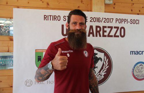"""Taglio del nastro con Davide Moscardelli per  """"#merendeghiotte"""" a Passignano"""